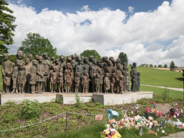 Free summer weeklong mini-course on Holocaust history and memory