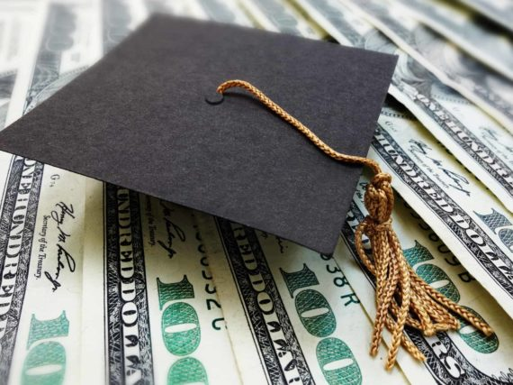 $10,000 scholarship for graduating seniors